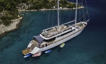 Yacht Lady Gita