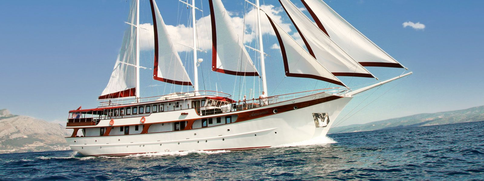 Yacht Amorena - Mini cruiser